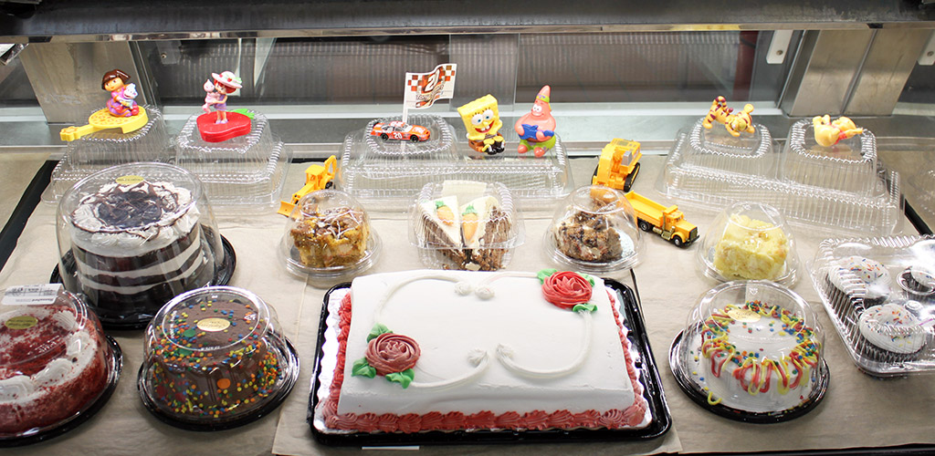 Prime Customdecorated Cakes Hannaford Induced Info Funny Birthday Cards Online Alyptdamsfinfo